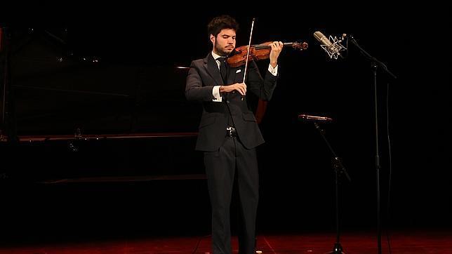 Paco Montalvo, durante un concierto