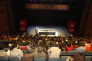 Los representantes de la cultura andaluza llenaron aforo del teatro Central para expresar su opinión sobre la guerra. J.M.SERRANO