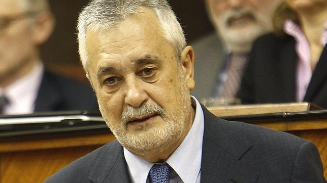 Griñán defiende la capacidad de respuesta de su Gobierno ante la crisis