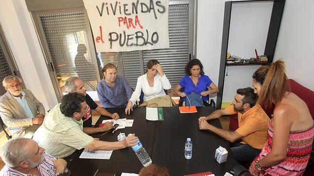 Cortés: «Hay que evitar que haya casas sin gente y gente sin casas»