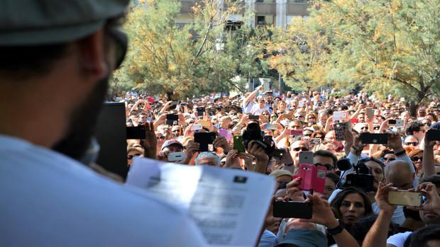 El médico Jesús Candel (Spiriman) leyó un manifiesto en la multitudinaria manifestación del pasado 16 de octubre.