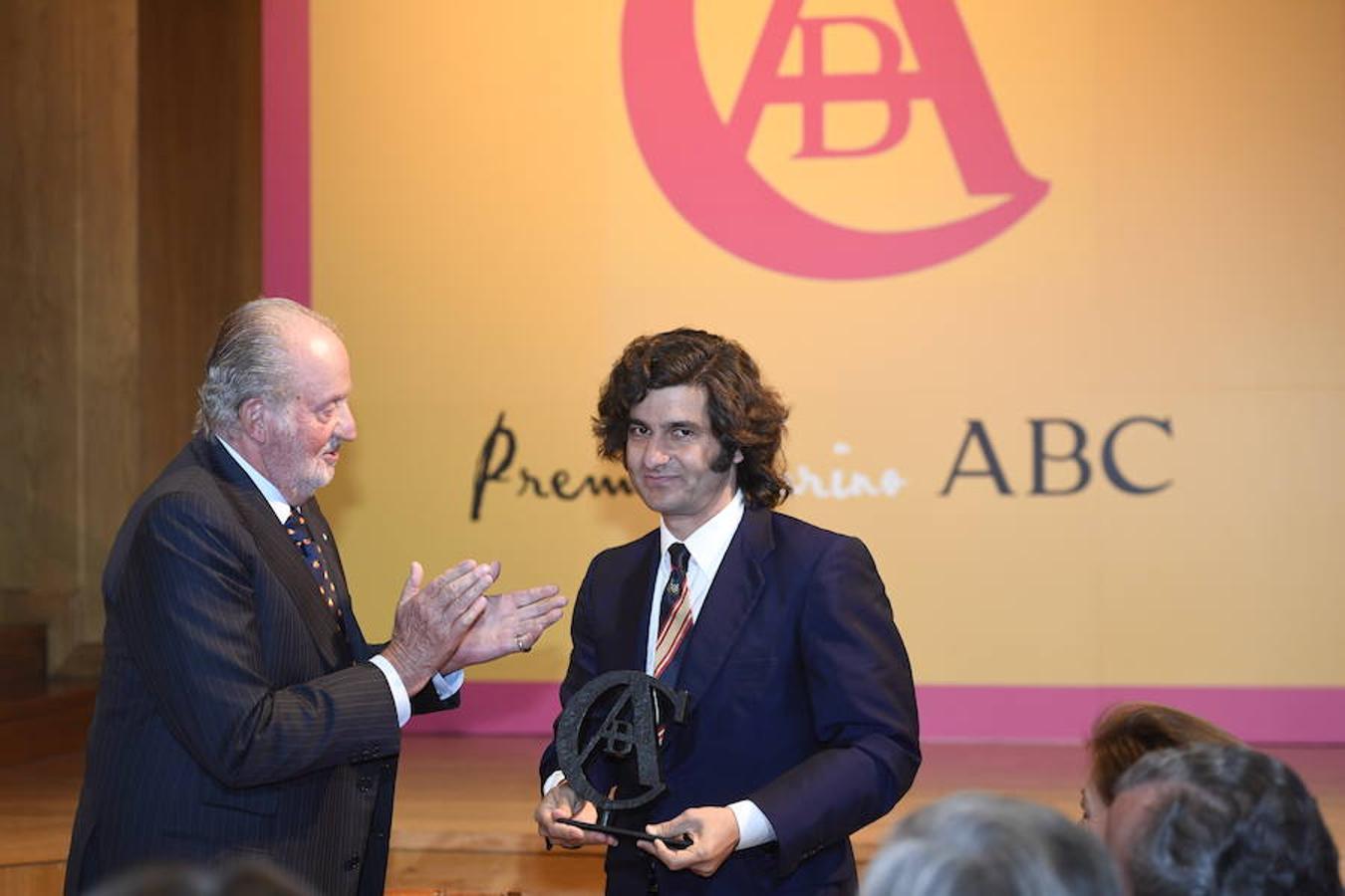 Don Juan Carlos le entrega a José Antonio Morante 'Morante de la Puebla' el IX Premio Taurino ABC