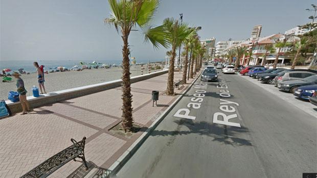 Zona del paseo marítimo de Fuengirola donde se produjo el desvanecimiento del corredor