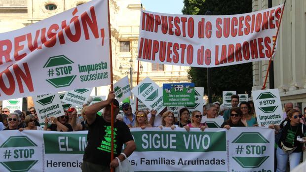 Manifestación contra el impuesto de sucesiones en octubre pasado en Sevilla