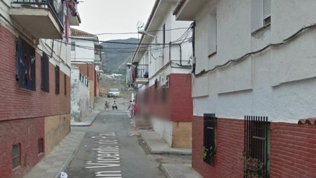 Se encuentran a un hombre muerto en granada [PUNIQRANDLINE-(au-dating-names.txt) 51