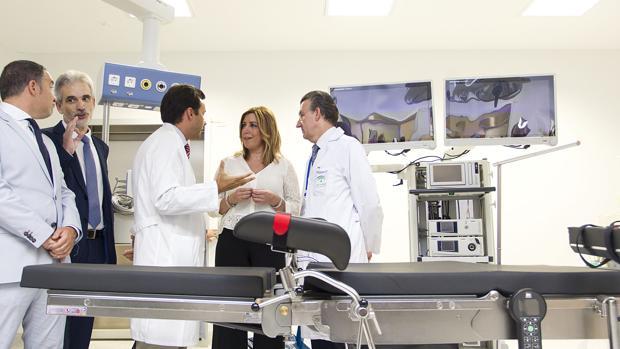 Susana Díaz y el exconsejero Aquilino Alonso inauguraron en 2016 el hospital del Valle del Guadalhorce