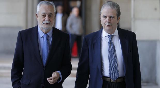 Griñán y su abogado José María Mohedano