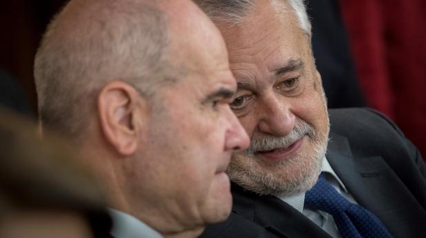 Los expresidentes de la Junta de Andalucía Manuel Chaves y José Antonio Griñán en el juicio