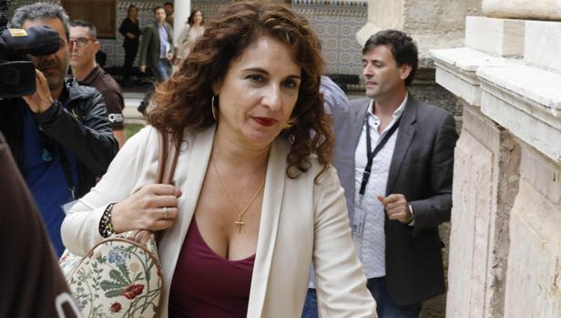 La consejera María Jesús Montero, ayer en el Parlamento andaluz