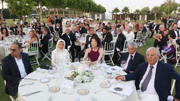 Mesa patrocinada por la famlia real saudí