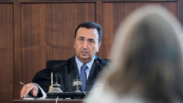 El juez Juan Antonio Calle Peña en el primer día tras el periodo vacacional del juicio de la pieza política del caso ERE