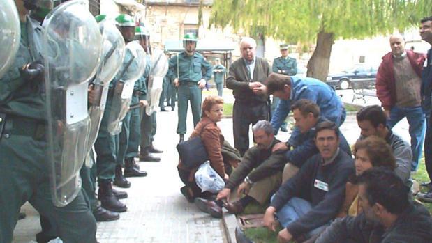 Sentada en La Guijarrosa en 2002