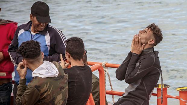 Sanchez - Más de 1.100 inmigrantes han sido rescatados este fin de semana procedentes de 65 pateras - Página 4 Inmigrantes-chiclana-kmYD--620x349@abc