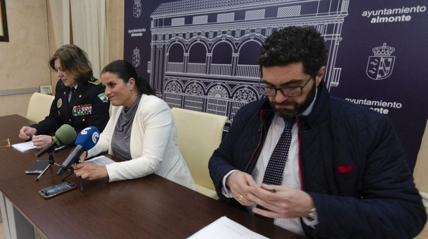 De izquierda a derecha: Francisca Borrero, Rocío Espinosa y Antonio Joaquín Díaz
