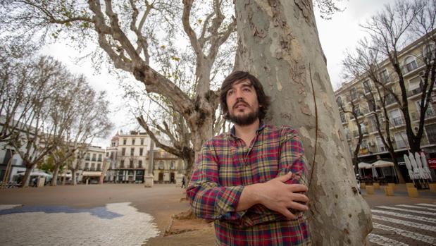 Sergio de Lope, durante una entrevista en la Alameda de Hércules en Sevilla