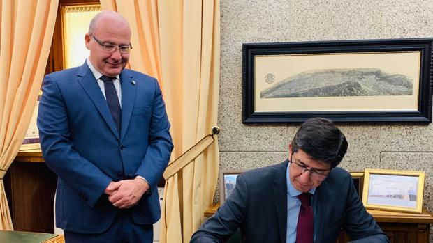 Juan Marín y Javier Márquez han mantenido la reunión en el Ayuntamiento de Jaén