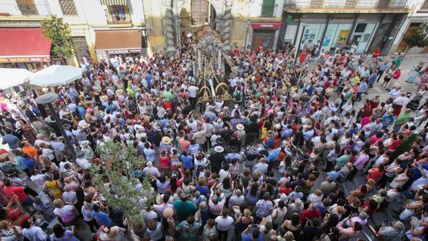 Salida de la hermandad del Rocío de Córdoba hasta la aldea del Rocío desde San Pablo