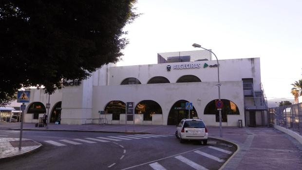 Imagen de la entrada a la estación de ferrocarill de Algeciras