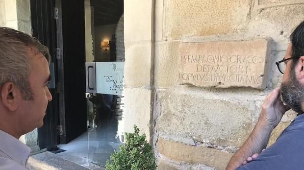 Inscripción de Sempromio Graco, una de las principales piezas romanas de la colección de Mengíbar