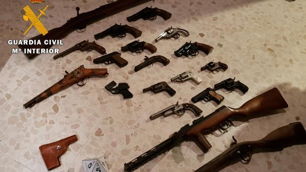 Armas intervenidas por la Guardia Civil de Córdoba en una operación