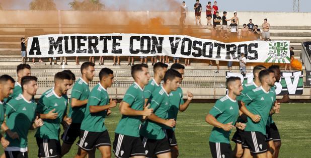 Los jugadores del Córdoba, en la sesión de ayer