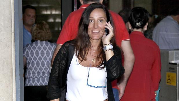 La juez María Núñez Bolaños, saliendo de los juzgados