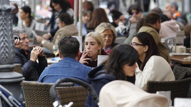 Echar una mano en un restaurante familiar ¿es relación de trabajo?
