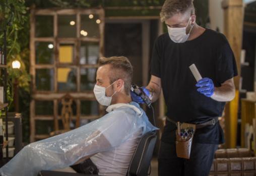 Las peluquerías vuelven a ser una actividad esencial