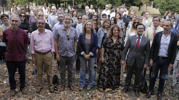 Isabel Ojeda, ayer, junto a responsables de instituciones y entidades con programación cultural