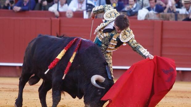 El Juli, con el quinto toro, al que perdonó la vida