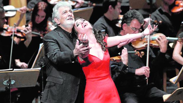 Plácido Domingo y Ermonela Jaho durante la representación de «Thaïs» en el Real