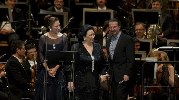 Concierto de Montserrat Caballe junto a su hija y con la colaboracion de Jose Mª Cano.