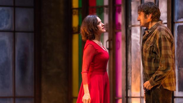 Ana Torrent y Carmelo Gómez, en una escena de «Todas las noches de un día»