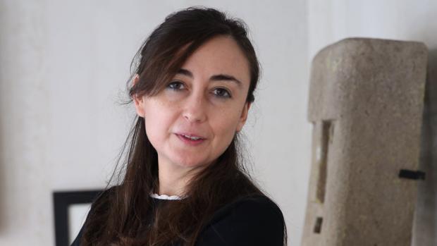 La escritora Elvira Navarro, fotografiada en un hotel de Madrid poco antes de la entrevista con ABC