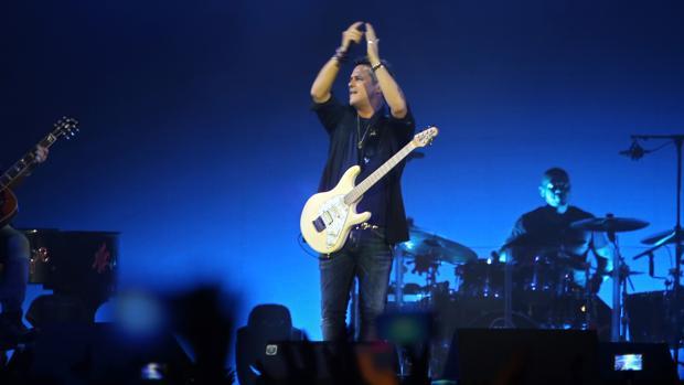 Alejandro Sanz, durante un concierto en Sevilla