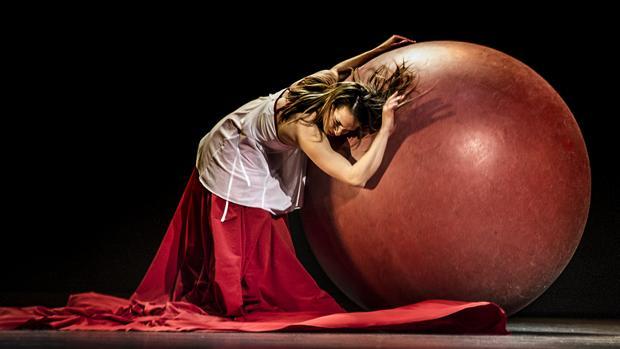 Eleni Ana Circus