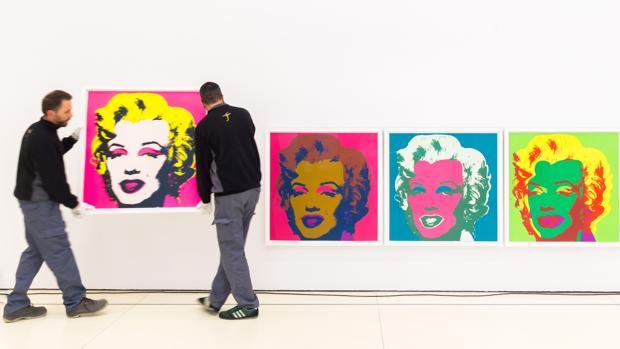 Montaje de la exposición dedicada a Andy Warhol en CaixaFórum