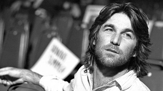 Dennis Wilson, en una imagen promocional de principios de los setenta