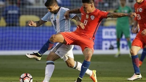 Partido entre Argentina y Chile disputado en la fase de grupos de la Copa América
