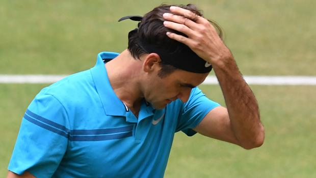 Roger Federer durante el partido ante Borna Coric