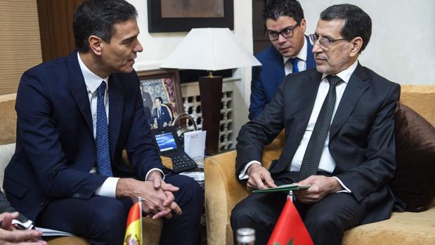 Pedro Sánchez, este lunes, junto al presidente de Marruecos, Saadedín Al Othmani
