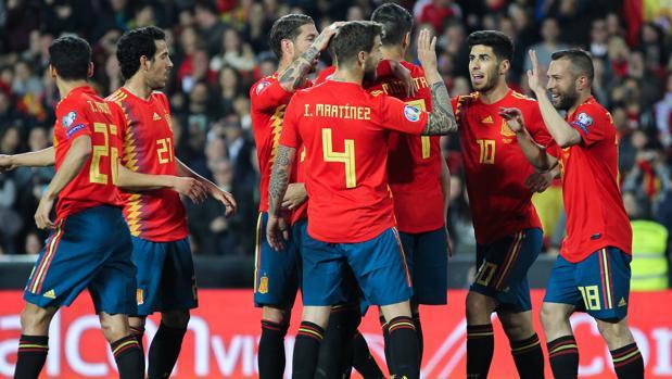 Los jugadores de la selección, en Mestalla