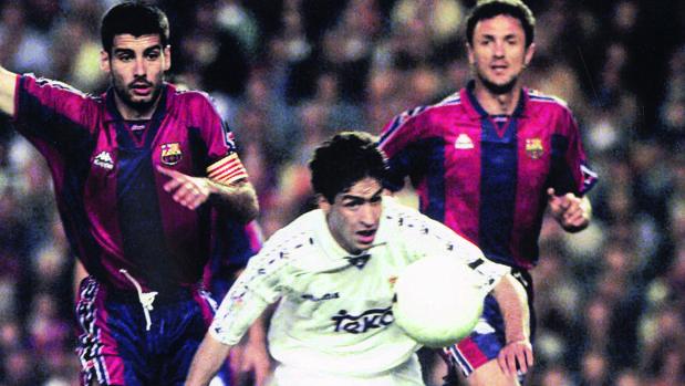 Barcelona y Real Madrid, en un partido jugado en 1997