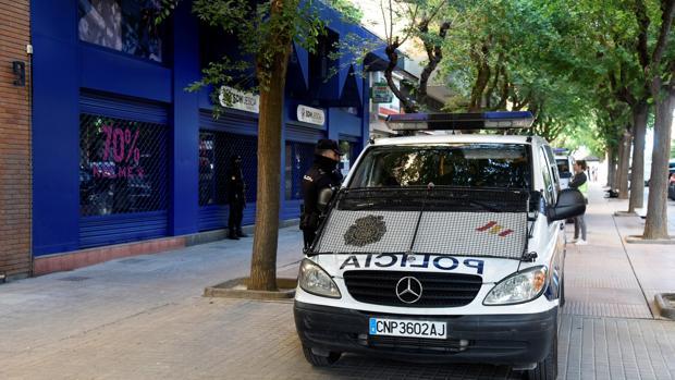 La policía, en la sede del Huesca
