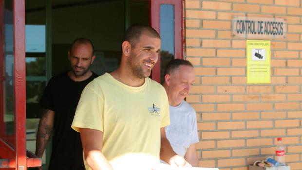 Aranda, a la salida de la prisión de Zuera
