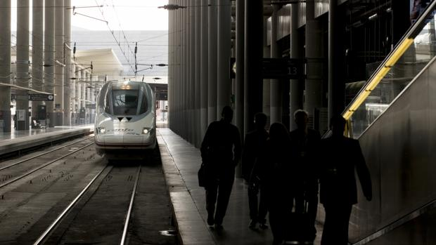 Tren de alta velocidad en la estación de Atocha