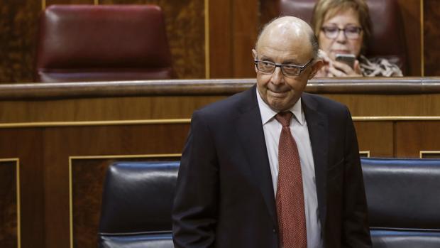 El ministro de Hacienda, Cristóbal Montoro, en el Congreso