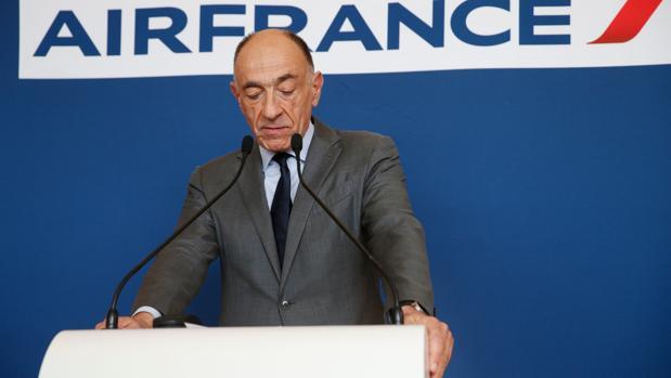 El presidente de la compañía, Jean-Marc Janaillac, anunció el viernes que dejará su cargo