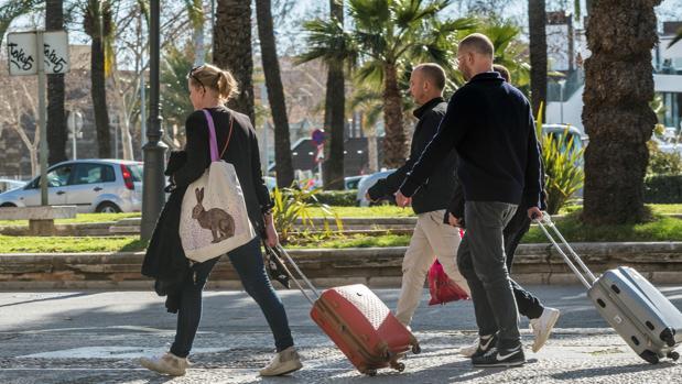 La ecotasa entró en vigor el 1 de julio de 2016 por la que, en temporada alta, se pagará entre 1 y 4 euros por persona / día