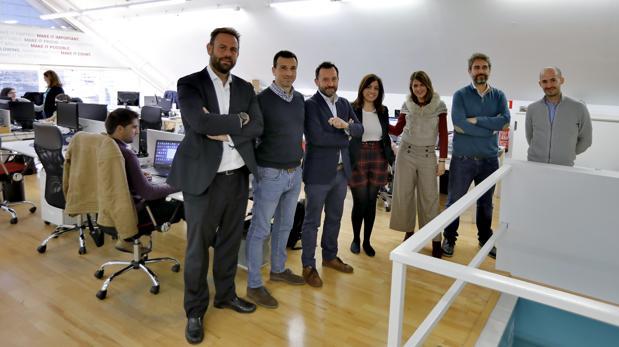 Víctor Fernández, presidente de Emergya (tercero por la izquierda) con parte del equipo directivo